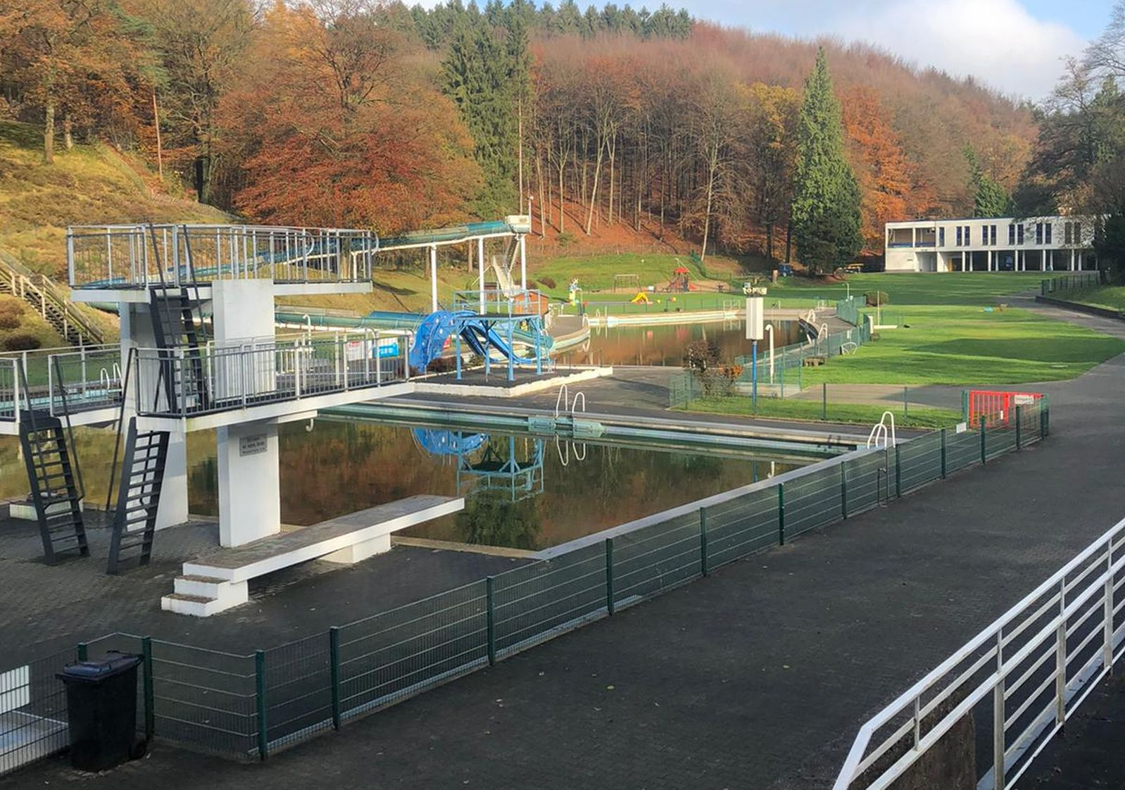 Antrag auf Erweiterung der Tagesordnung: Freibad Eschbachtal