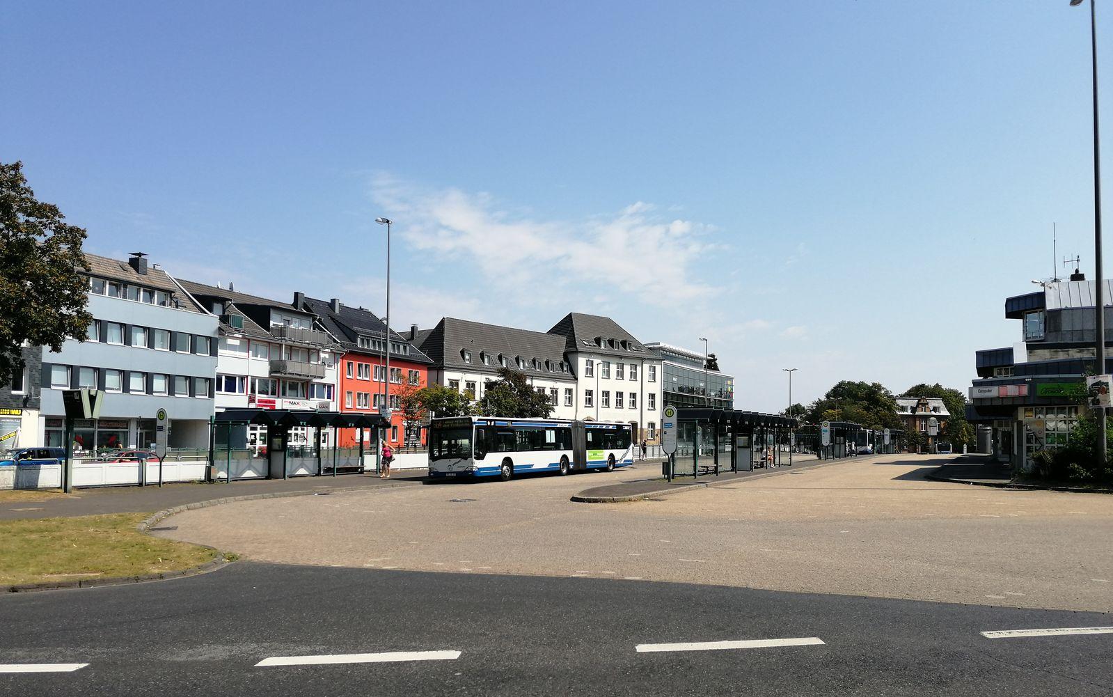 Umbau Busbahnhof Friedrich-Ebert-Platz in der Größenordnung noch notwendig?